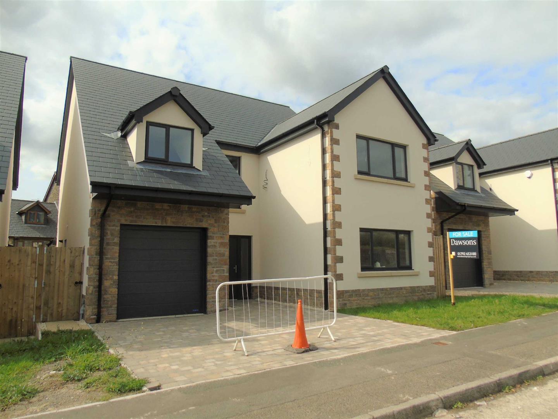 Bronallt Road, Pontarddulais, Swansea, SA4 0UB